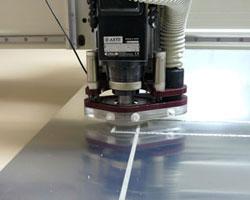 Чем резать акриловое стекло